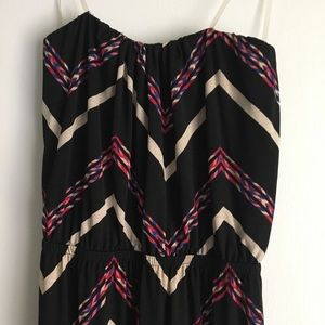 Dresses & Skirts - 5/$25 Tube top zig zag maxi dress